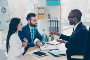 The pros along with cons associated with full time service brokers